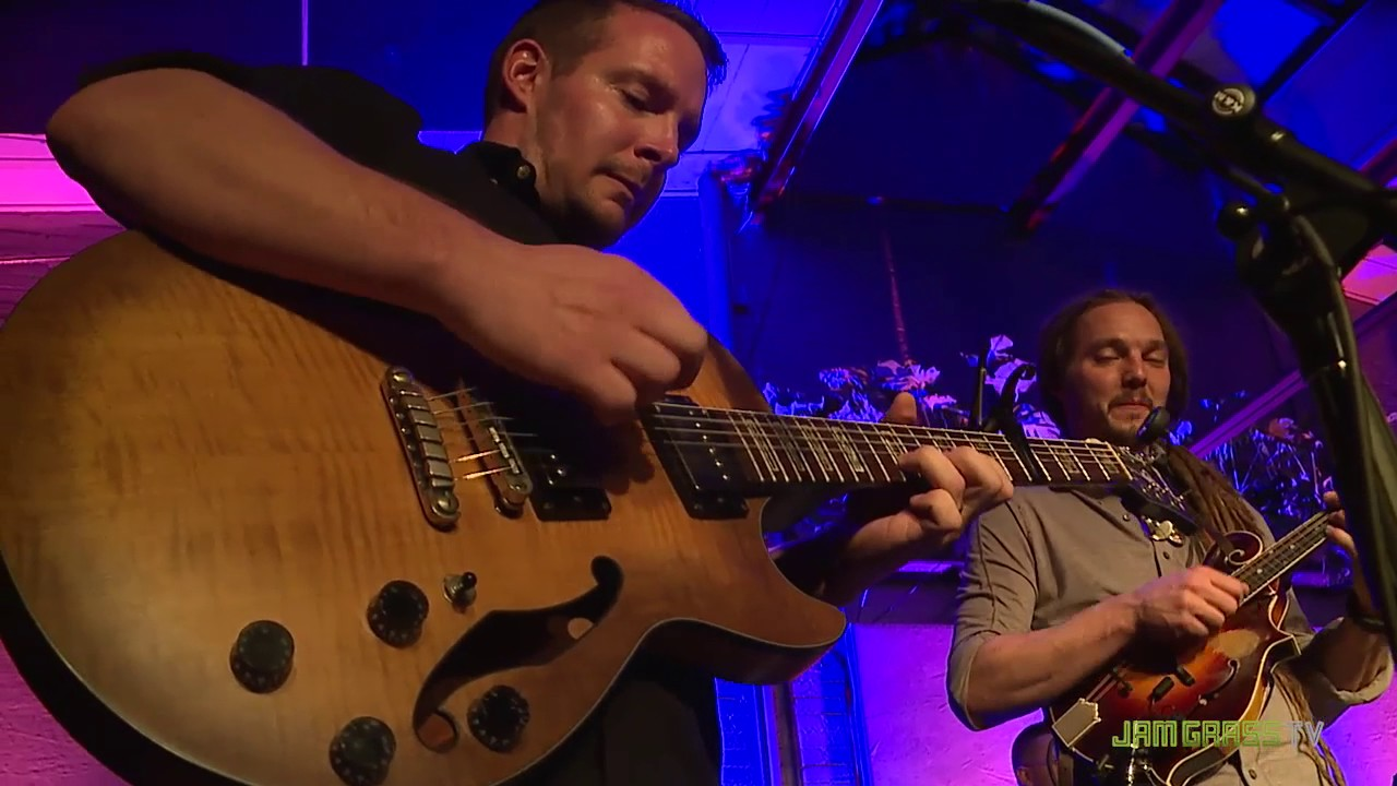 "Milwaukee folk act Dead Horses performs ""Ain't Got Time,"" from its 2016 album ""Cartoon Moon,"" at a sold-out show at the Back Room at Colectivo Coffee Decembe..."